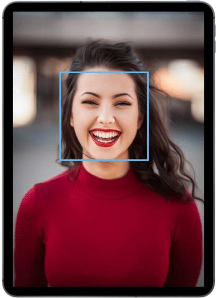 Vista en tablet de la funcionalidad reconocimiento facial